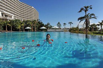 ホテルオリオンモトブリゾート&スパプール