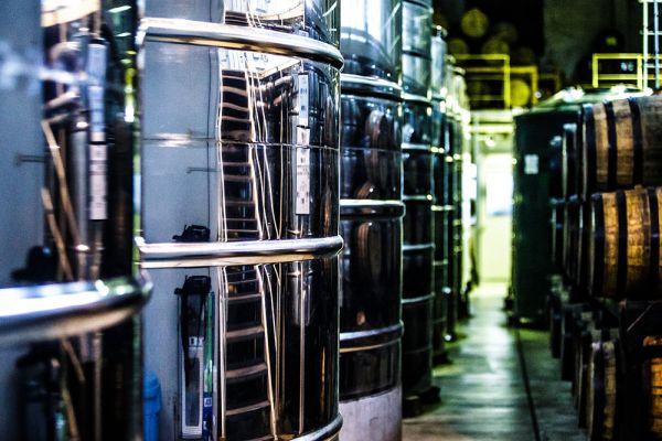 工場内タンク