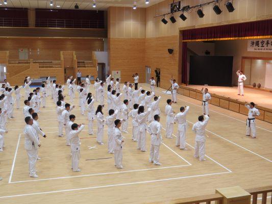 沖縄空手会館「空手体験プログラム」