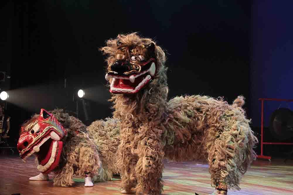 鼓衆若太陽 獅子舞