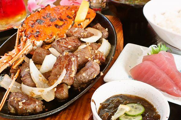 食事処「亀ぬ浜」エビサイコロステーキ定食