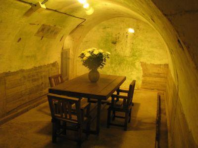 旧海軍司令部壕「司令官室(横)」
