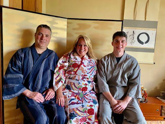 Sasagirian Tea ceremony guests